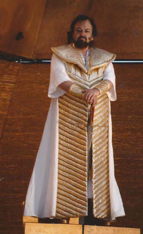 Michael-Renier-as-Radames-in-Aida-Verdi