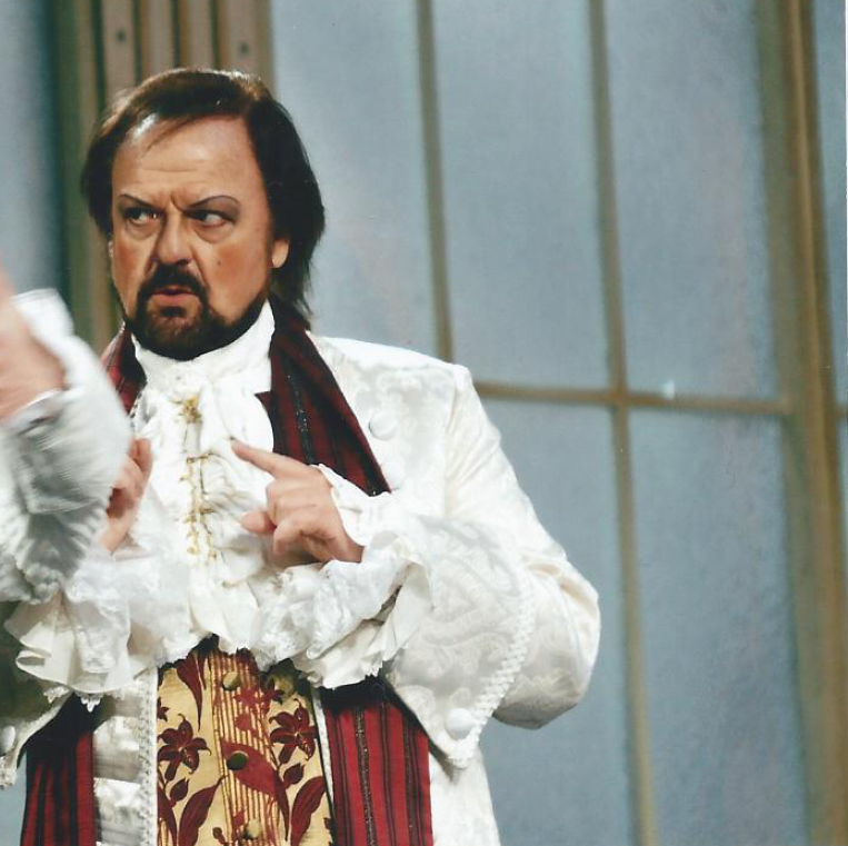 Michael-Renier-as-The-Italian-Tenor-in-Die-Rosenkavalier-in-Germany