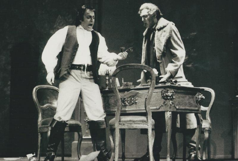 Michael-renier-as-Alfredo-in-La-Traviata-Verdi-with-Ulrich-Kratz-in-Germany